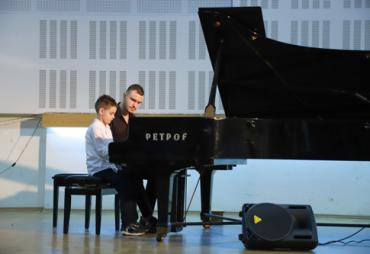 """Новогодишен концерт на """"Пијанофорте"""""""